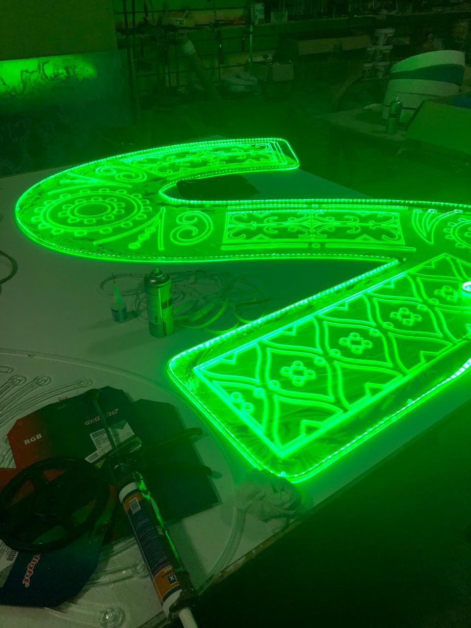 светодиодная буква S зелёная